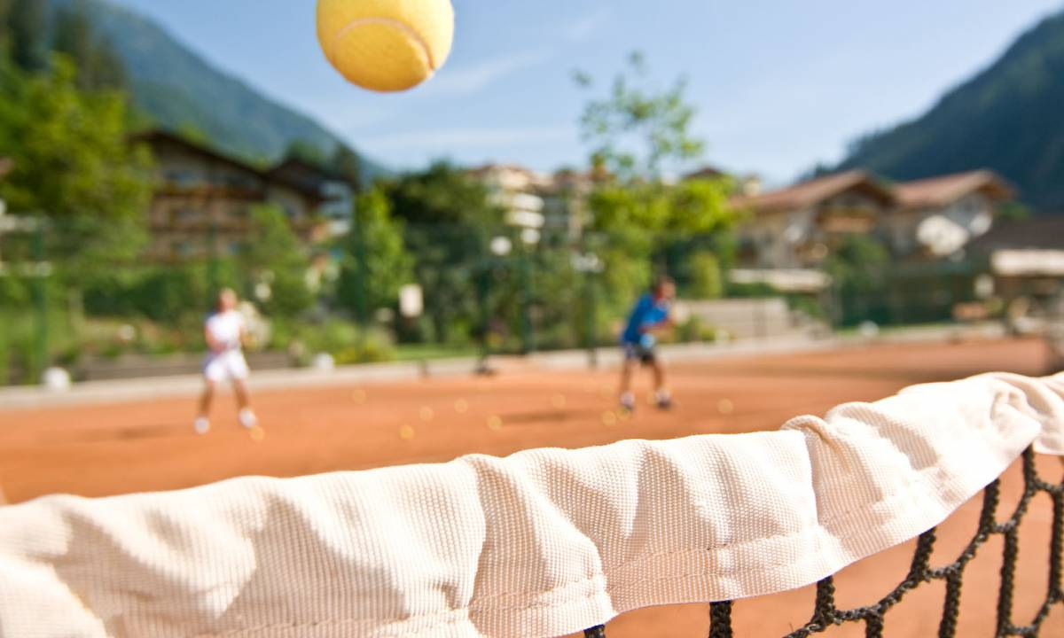 Discover our latest tennis offers - for example some of those services: