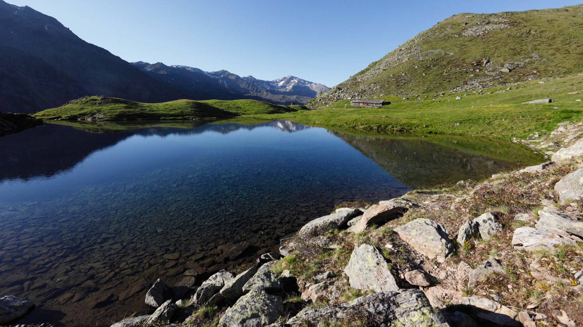 Passiria Hiking Paradise crystal-clear mountain lakes, shady forests, scenting alpine meadows...
