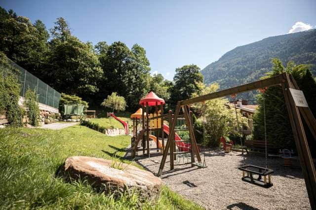 Familienhotel Sudtirol Familienurlaub Bei Meran Quellenhof