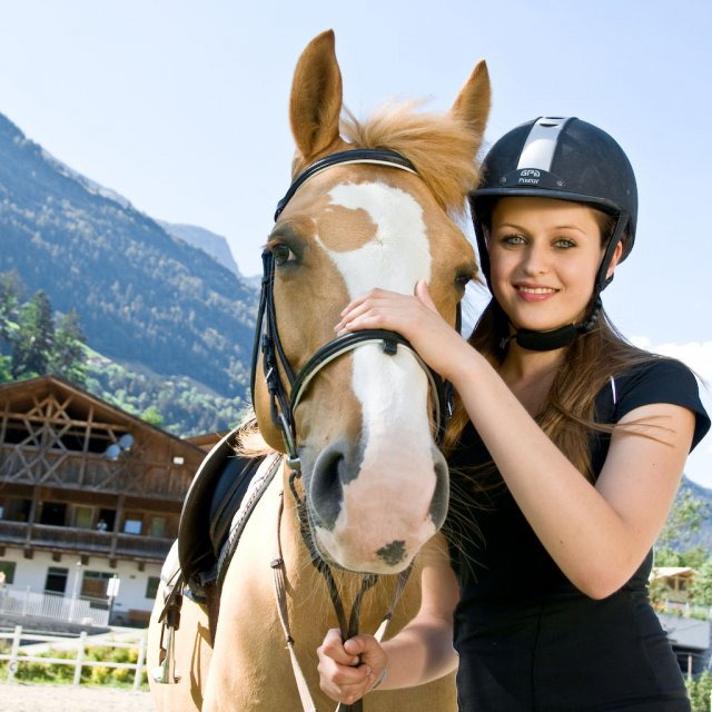 Horse riding in the Quellenhof Resort in South Tyrol